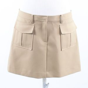 Theory beige front clip closure mini skirt 10